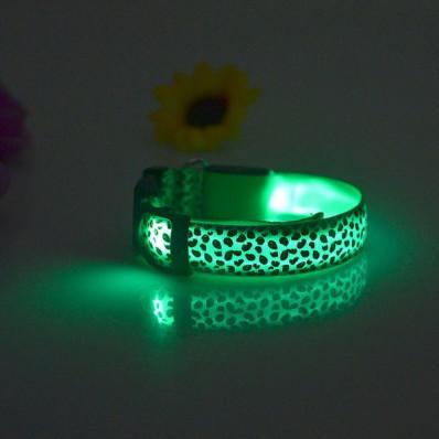"""Collare """"leopardo"""" lampeggiante LED per cane disponibili in 2"""