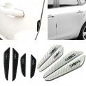 Paracolpi adesivo per portiera auto ad effetto carbonio con