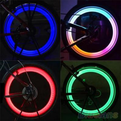 2 Tappi Copri Valvola con LED multicolor per Ruota Bici Auto
