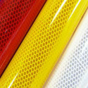 Pellicola adesiva retroriflettente in microsfere ad alta
